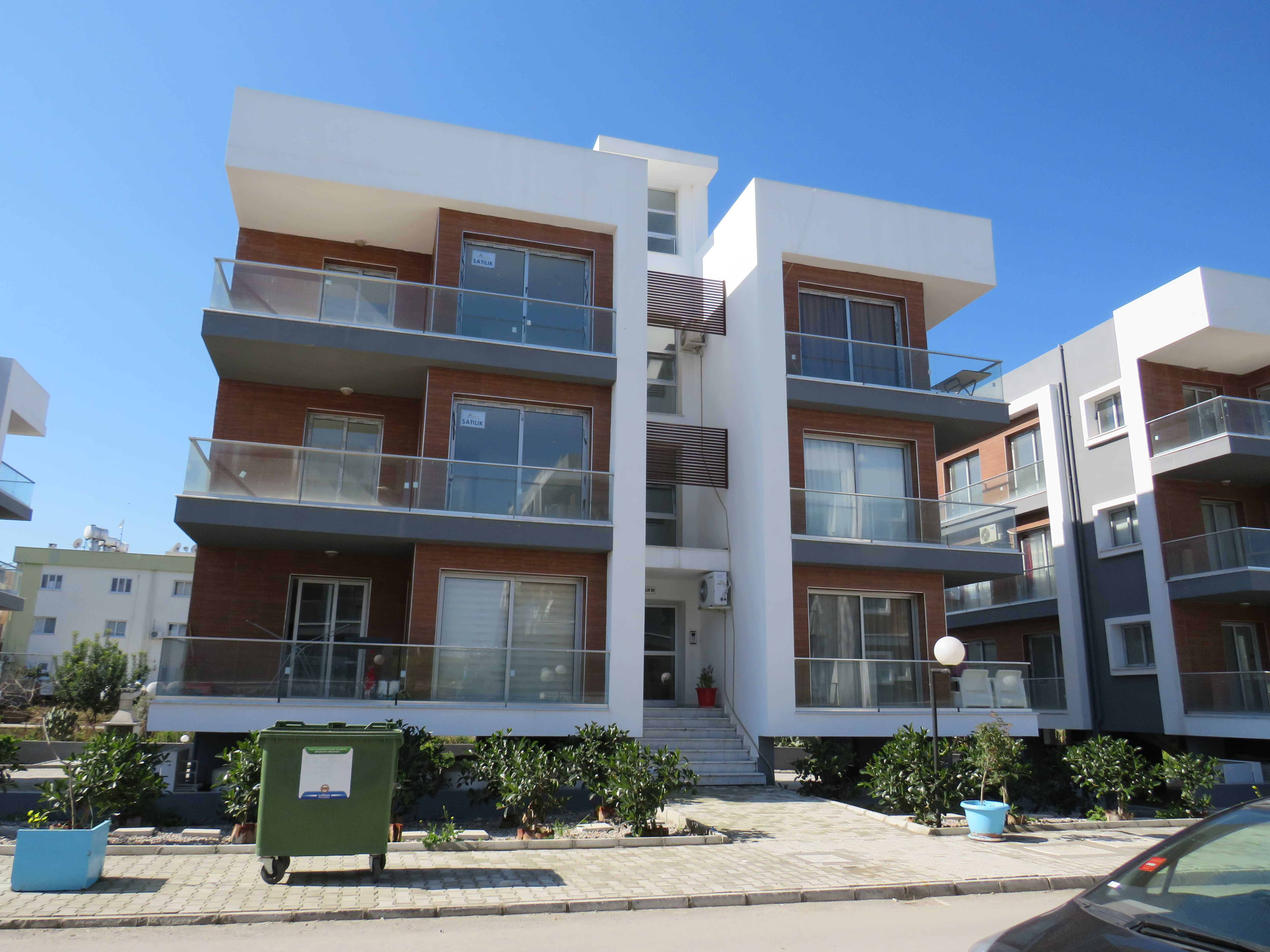TURKISH-TITLE-LUXURIOUS-TWO-BEDROOM-APARTMENT--NICOSIA-LKK07