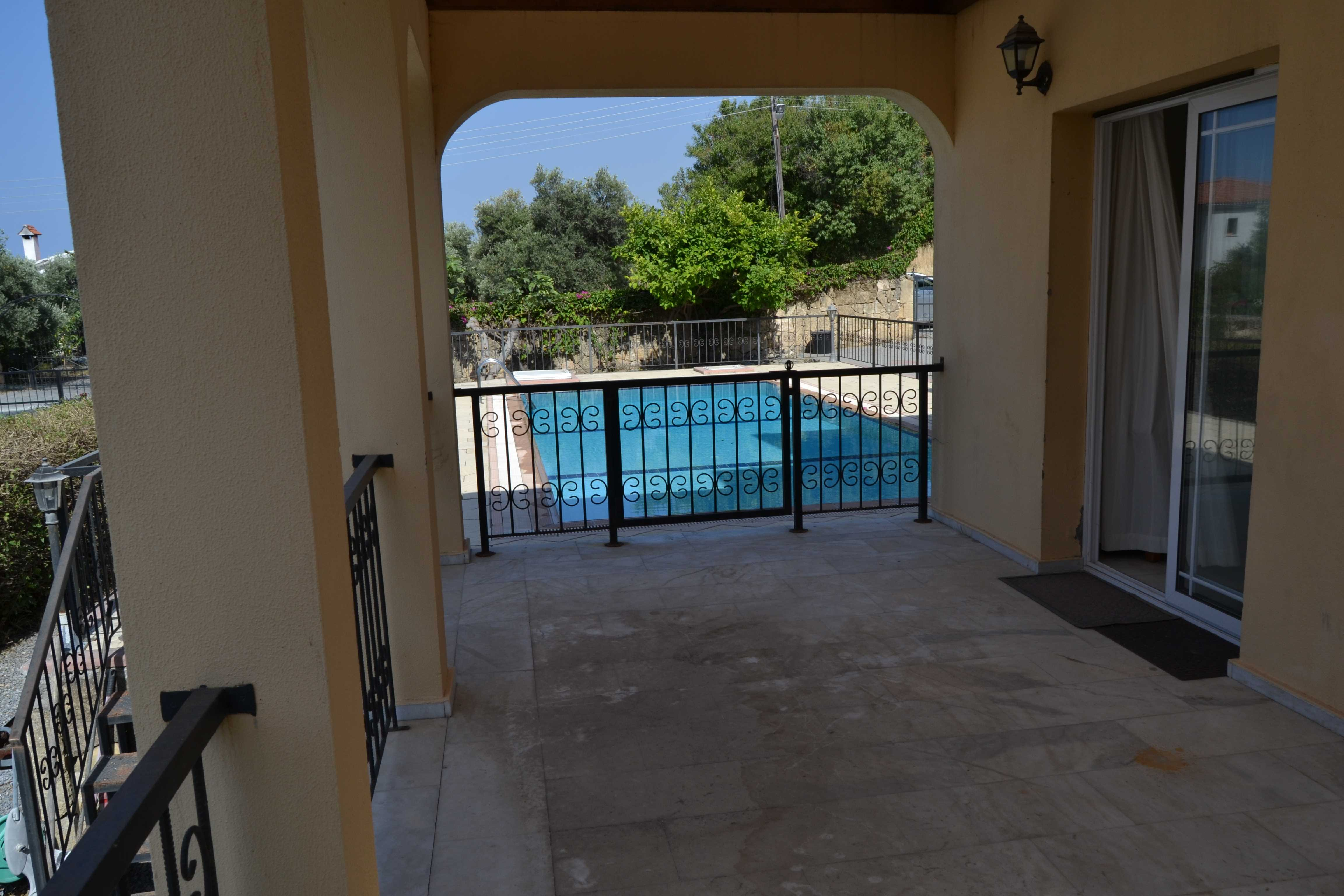 THREE-BEDROOM-VILLA-WITH-PRIVATE-POOL-**SOLE-AGENT**-AL263