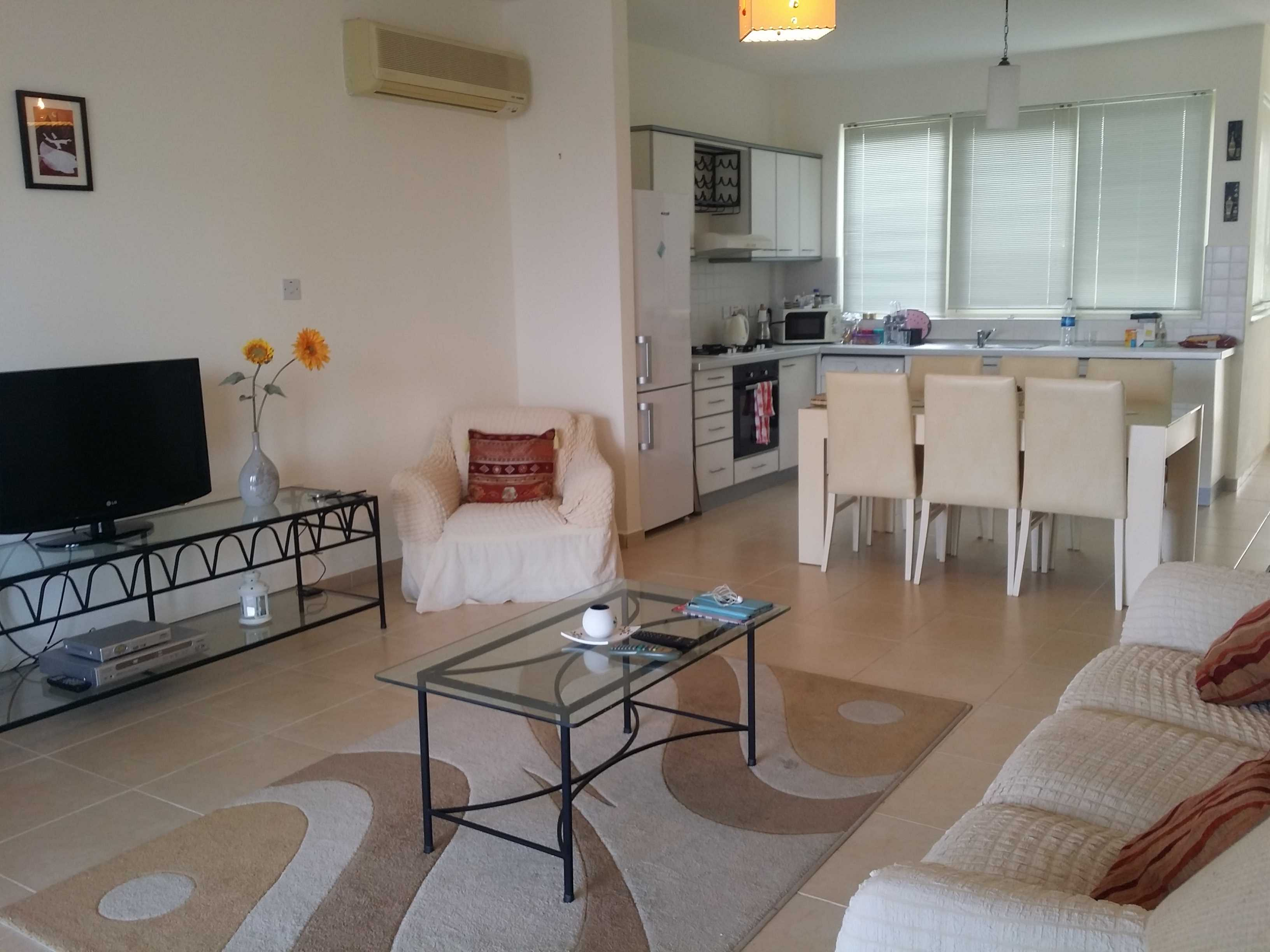 THREE-BEDROOM-GARDEN-APARTMENT---ESENTEPE-ES216