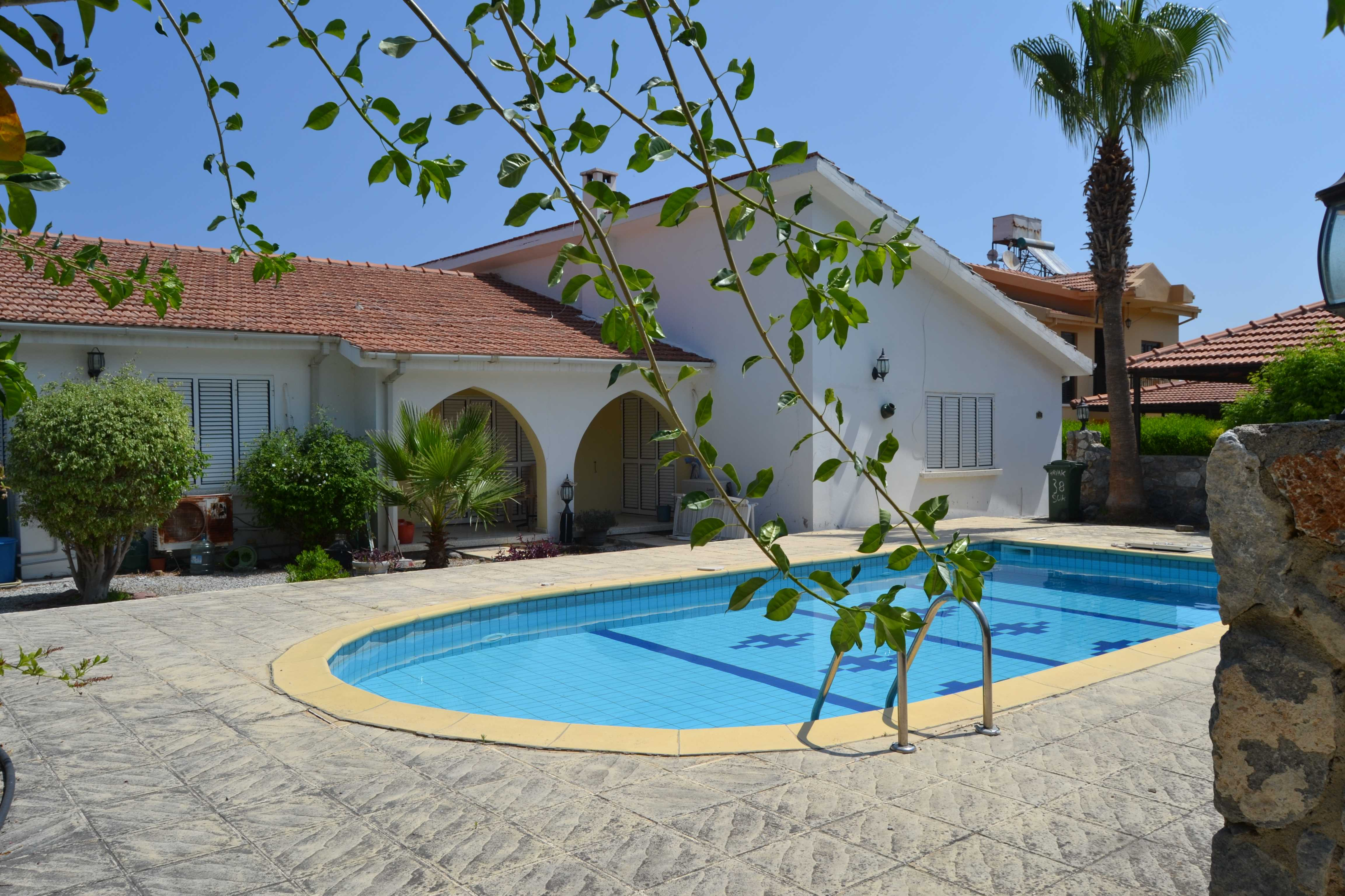 THREE-BEDROOM-BUNGALOW-WITH-PRIVATE-POOL-OZ154