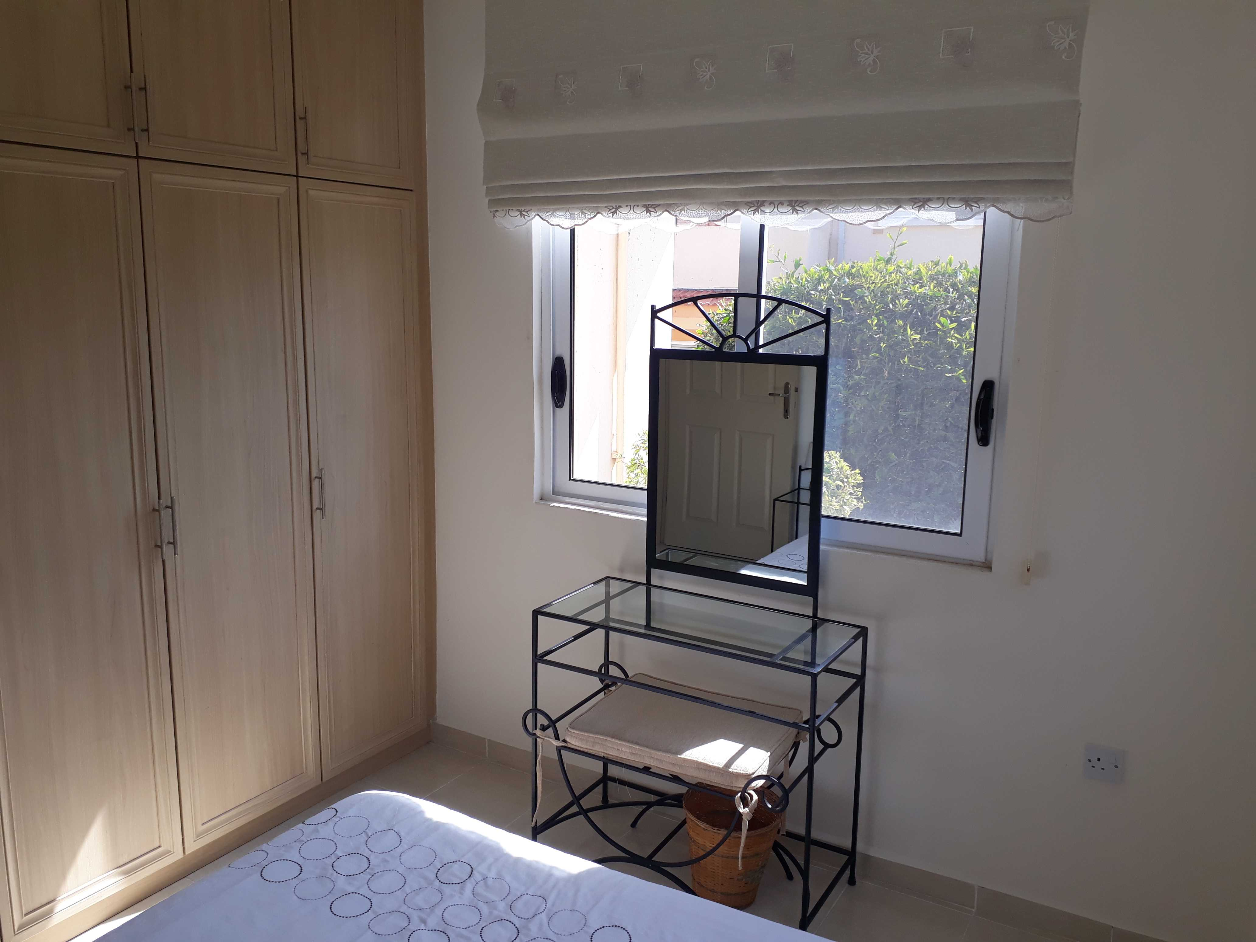 3-BEDROOM-FURNISHED-GARDEN-APARTMENT-AR37