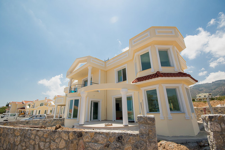 BEAUTIFUL-3+1-VILLA-FOR-SALE-IN-ALSANCAK-AL212