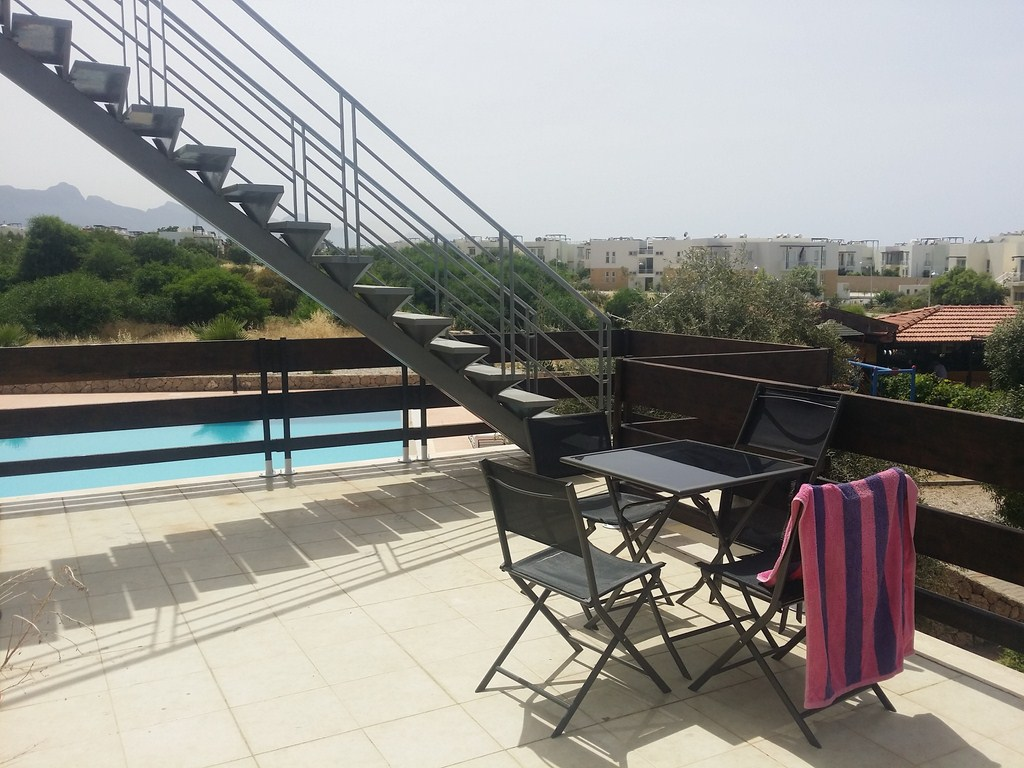 2-BEDROOM-FURNISHED-PENTHOUSE-ES198