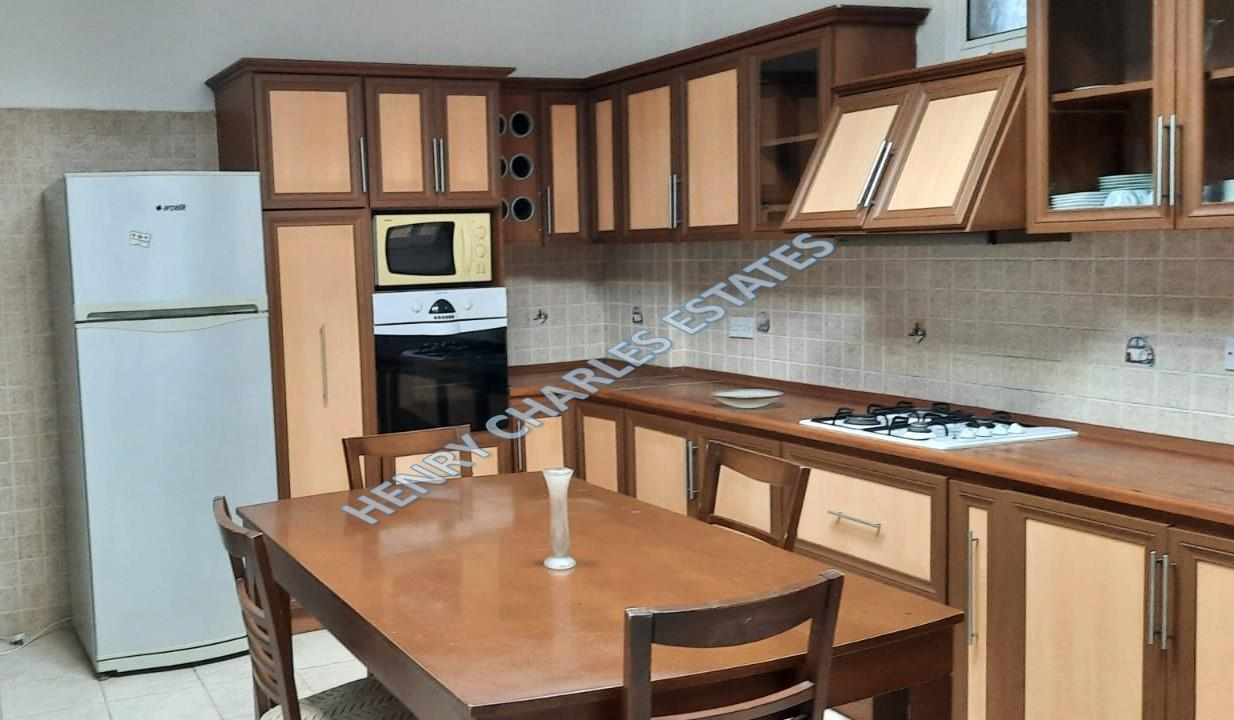THREE-BEDROOM-APARTMENT-WITH-LARGE-GARDEN-R-KY836